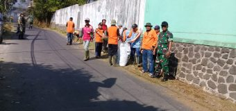 World Clean Up Day,Koramil Bawang dan  Masyarakat Pungut Sampah